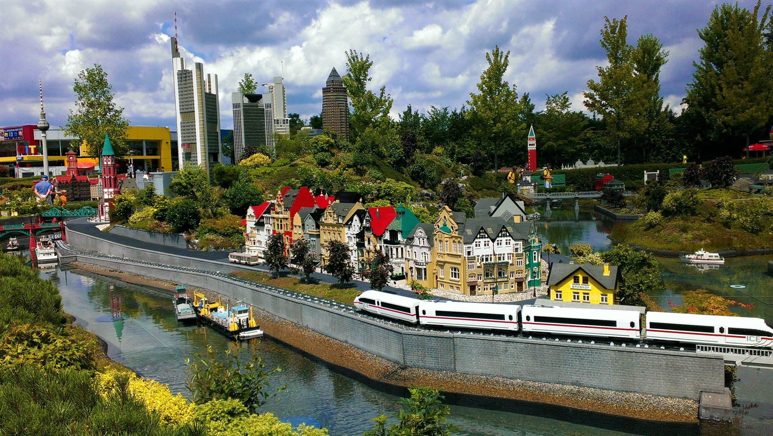 Stiftung vergibt Freikarten für das Legoland Deutschland