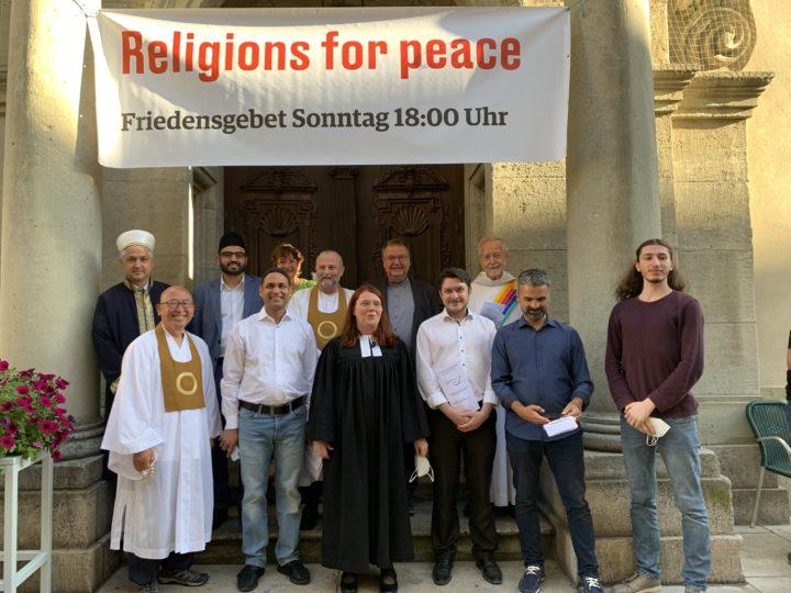 Interreligiöses Friedensgebet von Religions for Peace (RfP) als Auftakt des alternativen Bürgerfests der Sozialen Initiativen e.V.